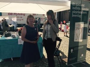 Min medudstiller, Lise Ravnkilde, får en snak med Kirsten Sydendal, der er en af initiativtagerne til #LollandFalsterLovestorm