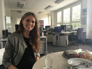 Skønne og altid hjælpsomme Anne Sofie Kirketerp på kontoret hos BoD. Hun diskede op med en stor frokost.